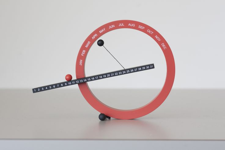 @MoMA Design Store PERPETUAL CALENDAR was designed by CA-based industrial designer Gideon Dagan. This clever desktop calendar was designed to be used year after year by moving magnetic balls manually to mark the date and month.