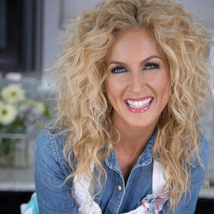 Kimberly from Little Big Town