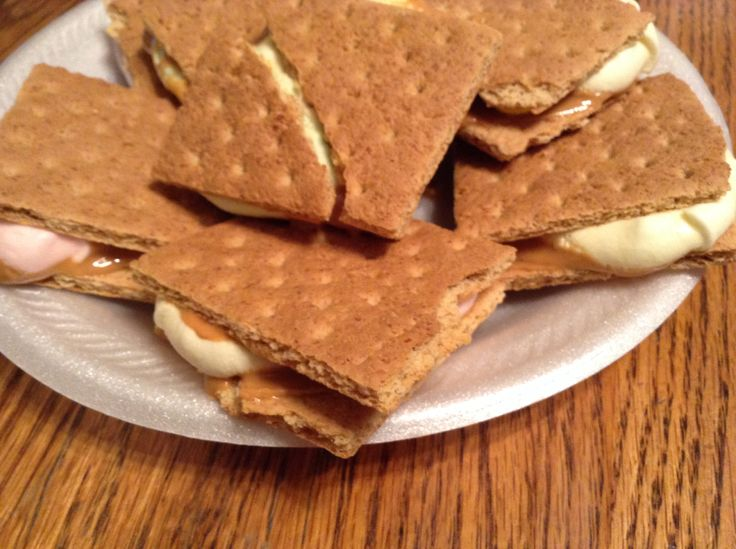 Peanut butter s'mores!!! 1 pack of graham crackers, peanut butter ...