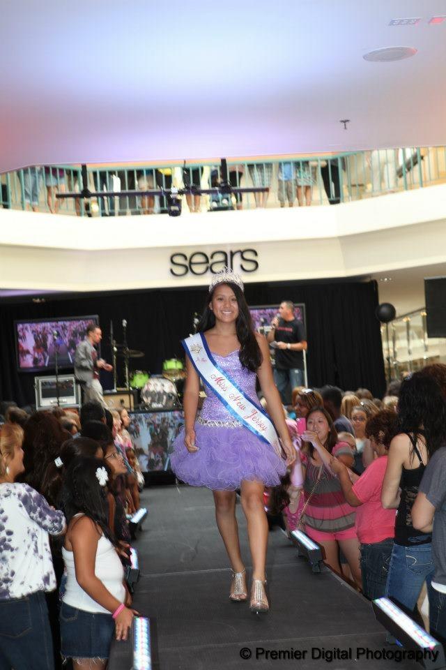 Woodbridge Mall Prom Dresses 35