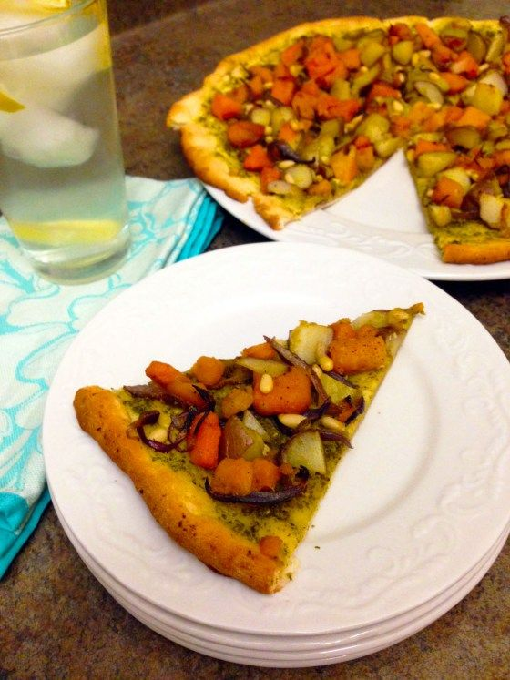Butternut Squash Pizza with Pesto Sauce & Caramelized Onion ...