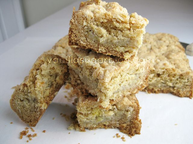 banana-oat crumble bars | A Balanced Diet is a Cookie in Each Hand ...
