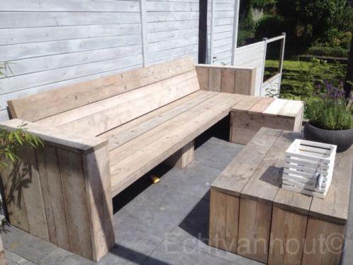 Stoere tuinbank van gebruikt steigerhout met losse verrijdbare hocker ...