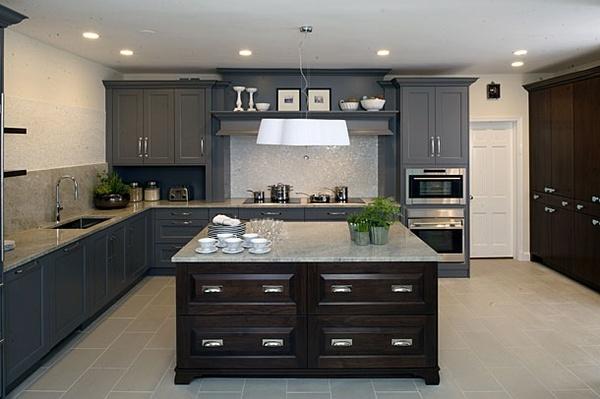 grey and brown kitchen!?! LOVE!  Mi Cosina  Pinterest