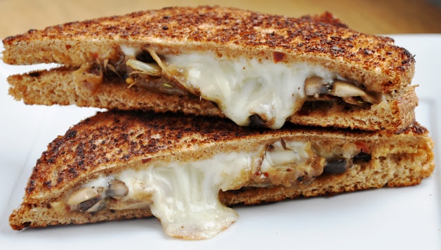 Caramelized Onions & Mushroom Panini | Clean Eating | Pinterest