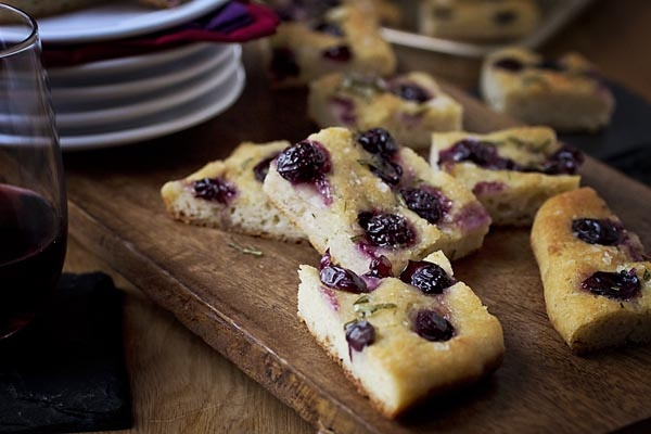 grape focaccia w/ rosemary #glutenfree