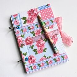 Make a custom refillable journal with this easy step-by-step DIY tutorial. (in Italian)