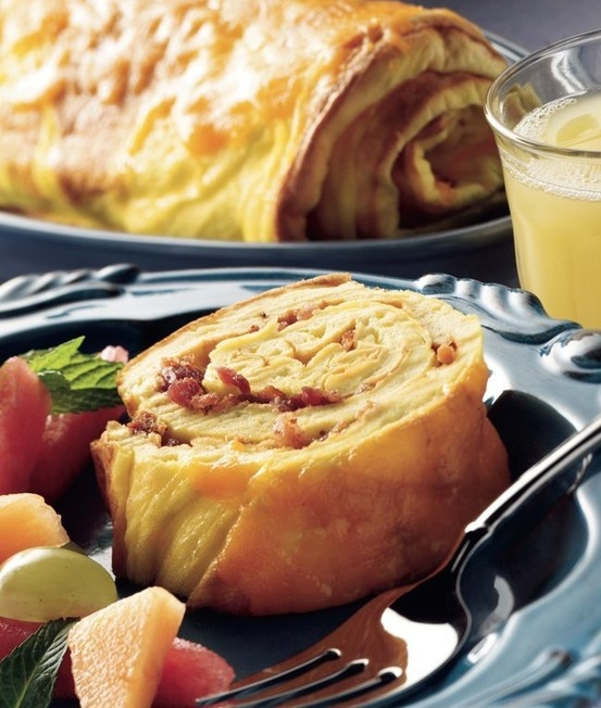 some more creativity in the kitchen? Try these Bacon & Cheddar Omelet ...