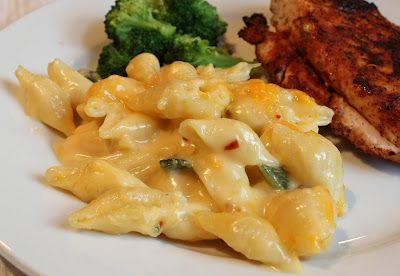 DINNER DELISH: ROASTED POBLANO PEPPER MACARONI & CHEESE
