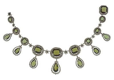 Necklace  from the peridot parure of Archduchess  Isabella of Austria. http://royal-jewels.blogspot.co.uk/2006_03_01_archive.html#