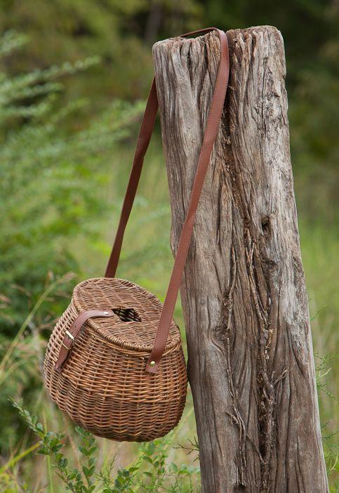Willow fishing creel basket fishing creels pinterest for Fly fishing creel