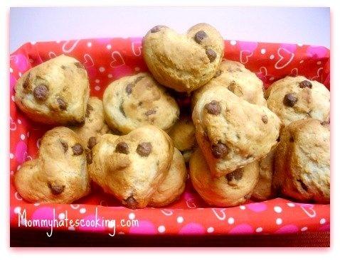 Heart Shaped Chocolate Chip Banana Muffins - MoneySavingQueen ...