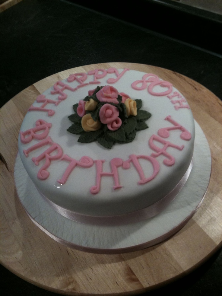 Round Birthday Cake Images : Small round flowers birthday cake My Cakes Pinterest