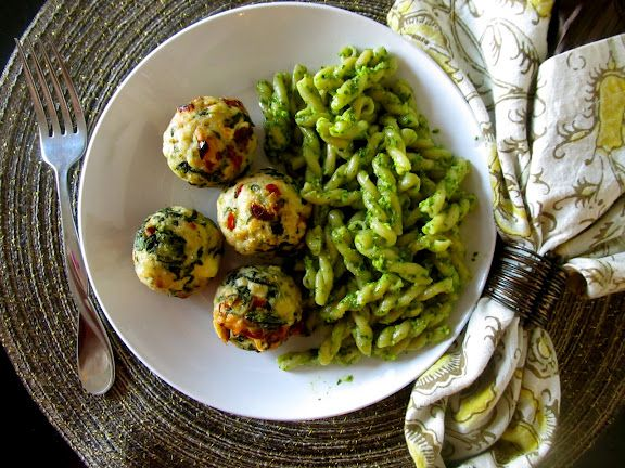 Mmmmm -- Mediterranean Chicken Meatballs with feta, spinach, and ...