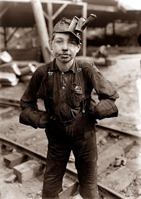 Old Picture of the Day: Child Labor  1908 West Virginia coal mines