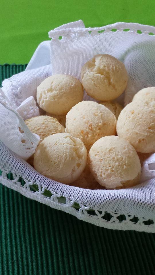 Pão de Queijo (Brazilian Cheese Bread) | Mãní Pão de Queijo ...