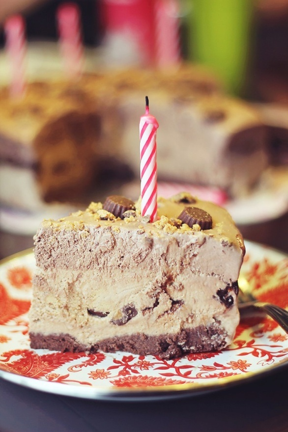 Frozen Reese's Peanut Butter Pie | Desserts | Pinterest
