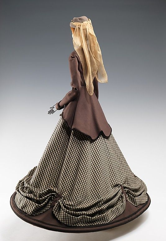 1855 Кукла Вера Бореа (металл, гипс, волосы, шерсть, шелк), 1949.  ММА