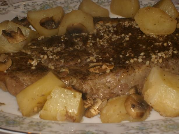 Beef Rib-Eye Roast With Potatoes, Mushrooms and Pan Gravy. Photo by ...