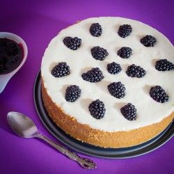 Tart with berries and yogurt cream | For Those Taste Buds | Pinterest