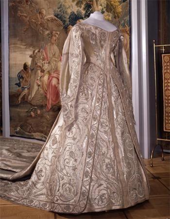 Pin by Dentelles et Macramés on Russian Court Dress ... Alexandra Romanov Wedding Dress