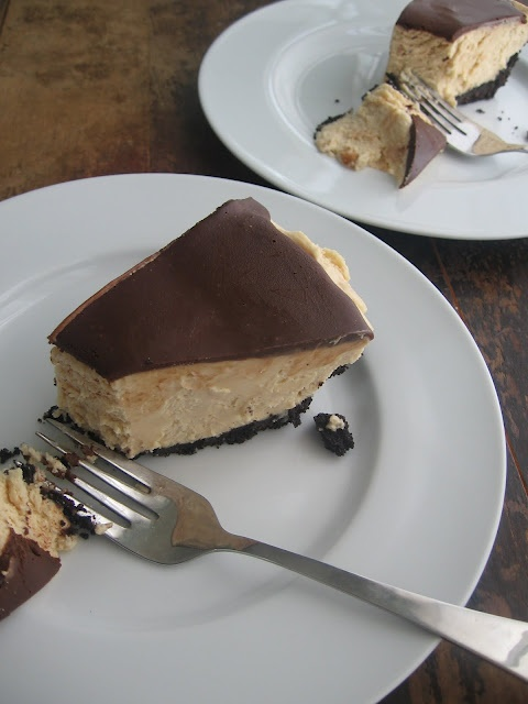 Chocolate Peanut Butter Pie ~ Have not tried http://www.sweetsugarbean ...