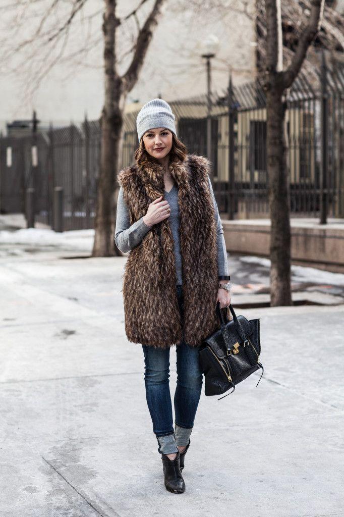 love the long faux fur vest on #HOUSEofHARPER