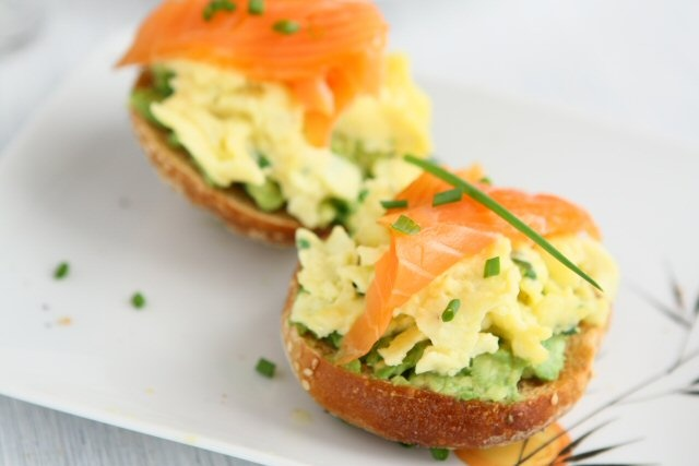 Brunch: Crostini with Scrambled Eggs, Avocado and Smoked Salmon