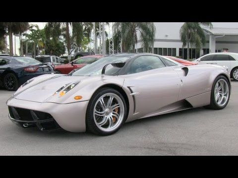 2015 Pagani Huayra Start Up de escape