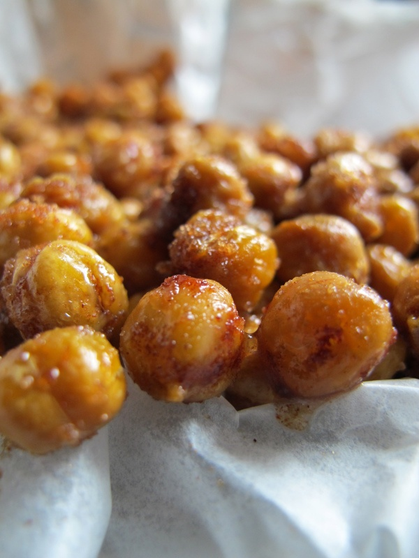 SWEET AND SALTY ROASTED CHICKPEAS // hourglass