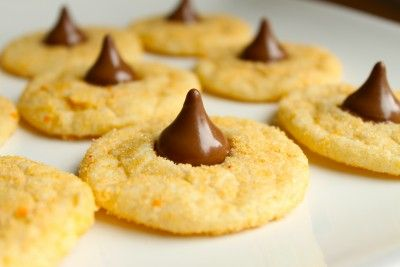 pumpkin spice sugar blossoms (apparently hershey makes pumpkin spice ...