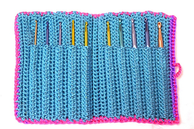 Free Crochet Star Hook Case Pattern : Aluminum Crochet Hook Case: free pattern Crochet Covers ...