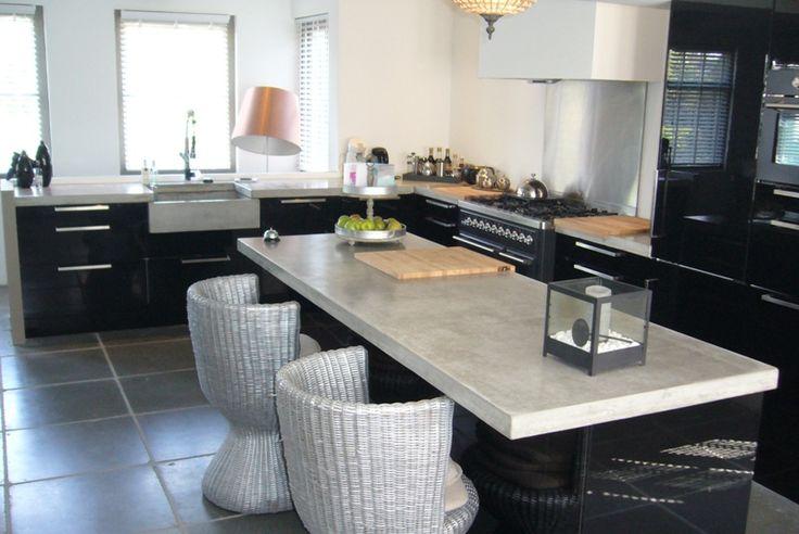 Keuken Met Betonnen Werkblad : Stoere zwarte keuken met betonnen werkblad