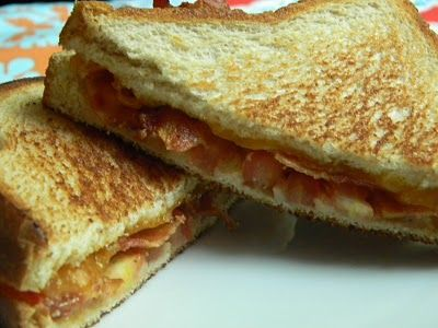 tomato bacon grilled cheese | bacon | Pinterest
