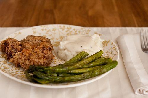 More like this: steaks , cream gravy and chicken fried steak .