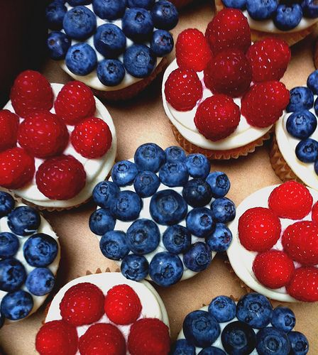 fourth of july cupcakes with pop rocks