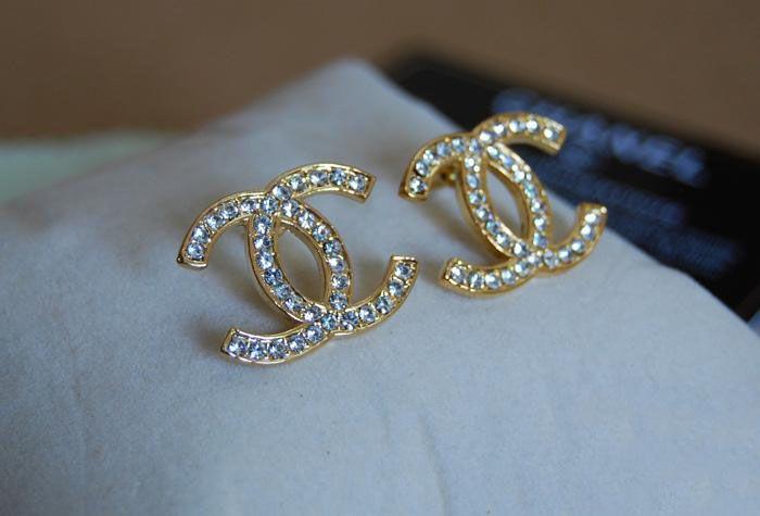 chanel classic cc logo earrings earrings pinterest. Black Bedroom Furniture Sets. Home Design Ideas