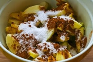 Recipe for Low-Sugar Flourless Apple Crisp made with Olive Oil | yummy ...