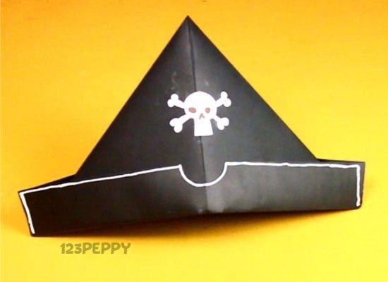 Треуголка пирата из бумаги