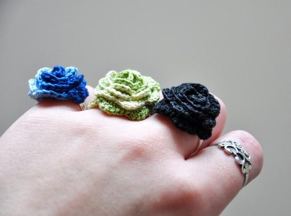 Crochet Flower Rings crochet jewelry Pinterest