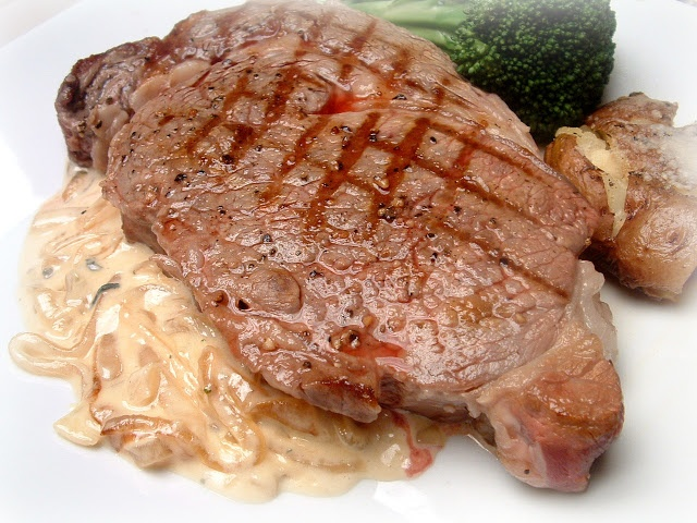 ... Woman Cooks - Grilled Ribeye Steak with Onion Blue Cheese Sauce