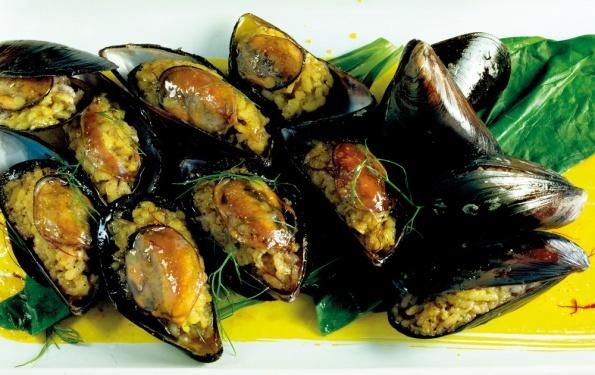 ... (stuffed mussels), Işkembe Corba (tripe soup), Chestnuts... etc