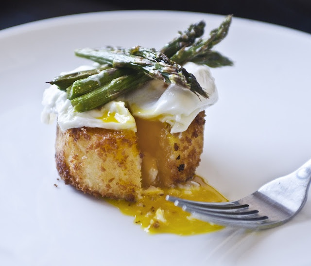 with a poached egg roasted asparagus poached eggs on toast recipes ...