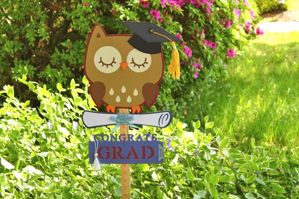 """""""Congrats Grad"""" sign made with #Cricut and Create a Critter cartridge"""