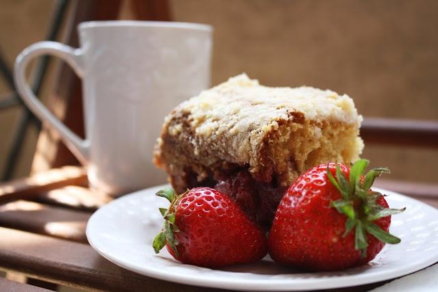 Strawberry Coffee Cake #dessert #recipe | Delicious Desserts | Pinter ...
