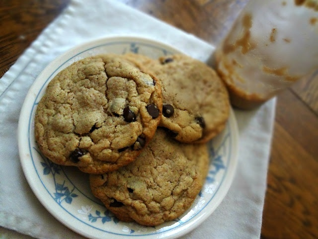 Almond Butter Chocolate Chip Cookies | Cookies and Bars | Pinterest