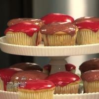 Vanilla cupcakes made with white beans and a fruit glaze topping. So ...