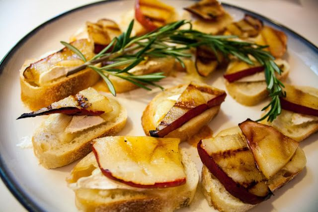 Easy Holiday Appetizer: Honey Grilled Pear, Brie & Rosemary Crostini
