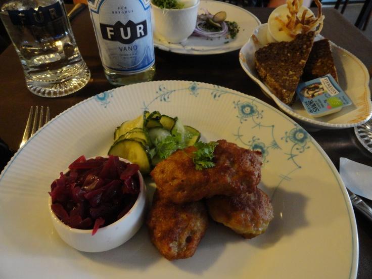 Frikadellar (Danish meatballs) with red cabbage and agurksalat. Back ...