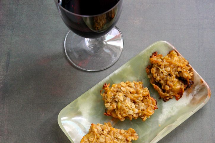 Savory Cheddar Apple Oatmeal Cookies | Cooking - Cookies need their o ...